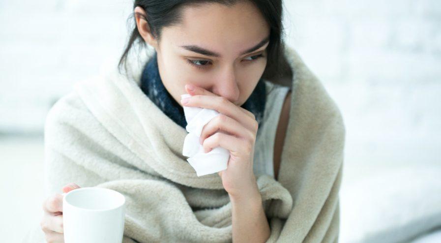 jak-zatuszowac-oznaki-choroby-za-pomoca-makijazu.jpg
